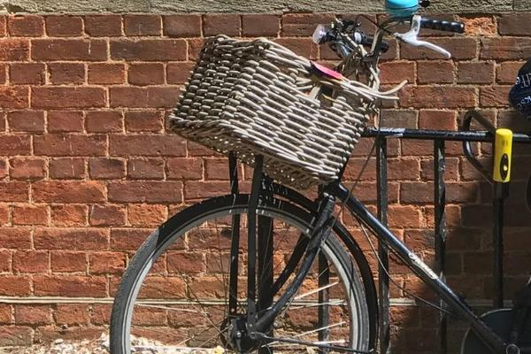 Photo of a bike in front of Wycliffe Hall